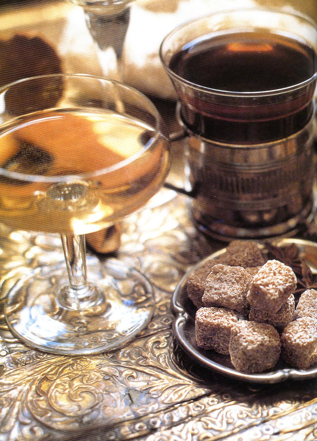 secondo layurveda non si dovrebbe bere molto durante i pasti perch non aiuterebbe la digestione tra i pasti le bevande possono servire non solo a