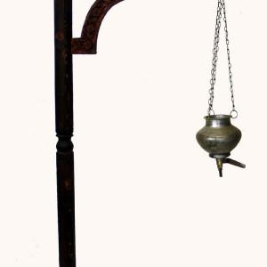 Stand per shirodhara orientale1